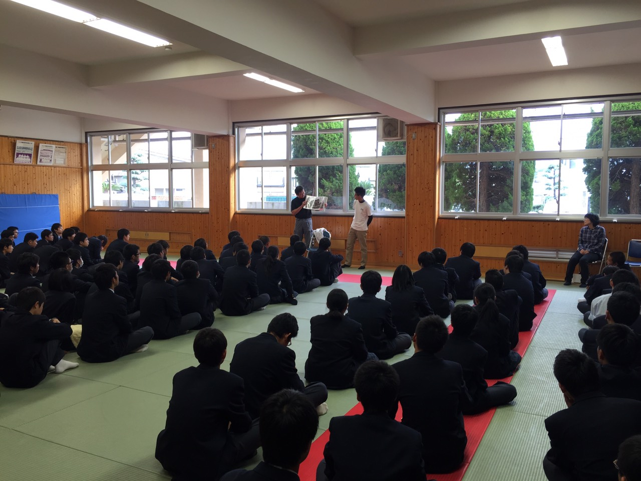 水島工業高校での講演の写真①