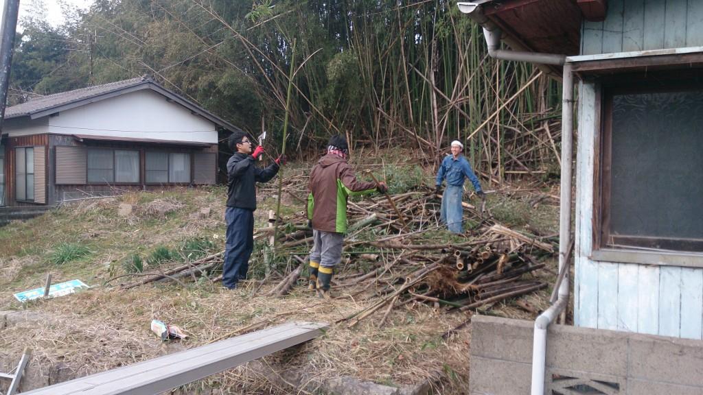早島町新築工事 竹の伐採中の写真①