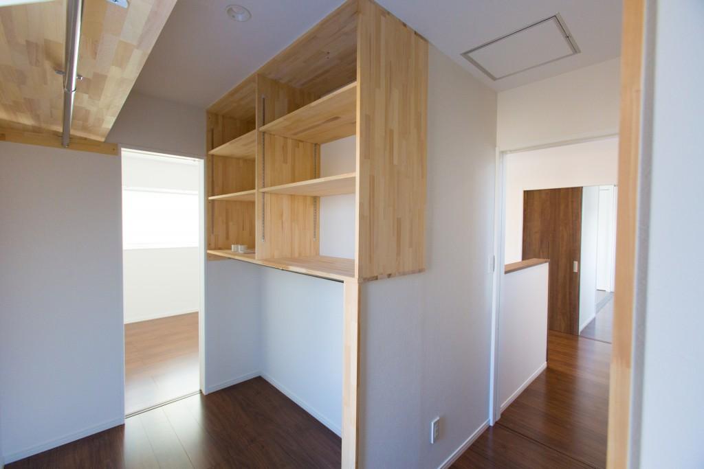 早島町新築工事 ユーティリティルームの写真