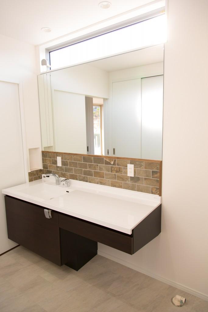 早島町新築工事 洗面室の写真