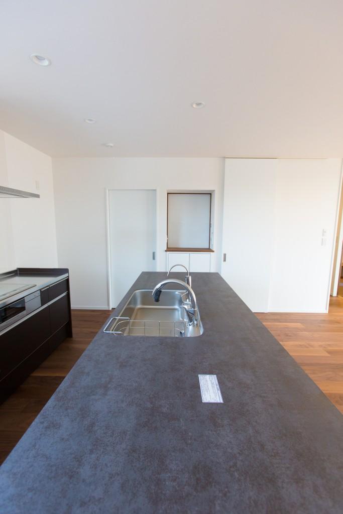 早島町新築工事 キッチンの写真