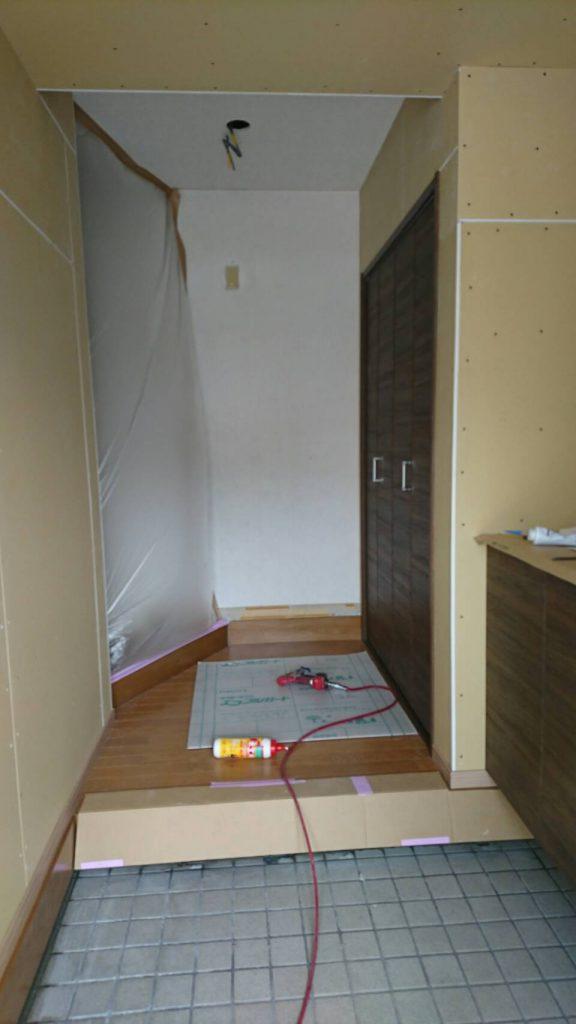 早島町玄関工事 内部の写真