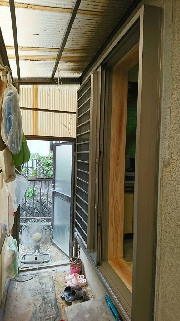 早島町勝手口ドア工事 引き戸取り付け後の写真